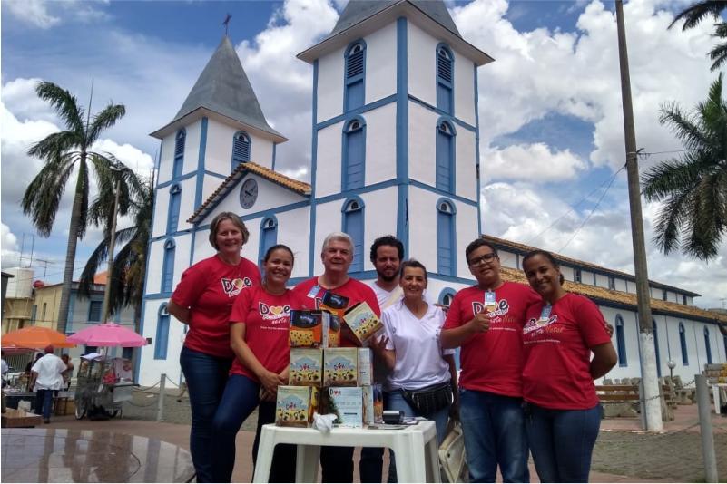 Equipe da Vila durante campanha de natal